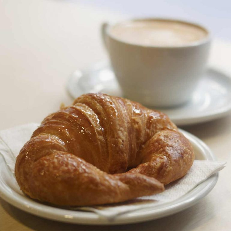 How I Eliminated My Spare Tire on the Croissant Diet